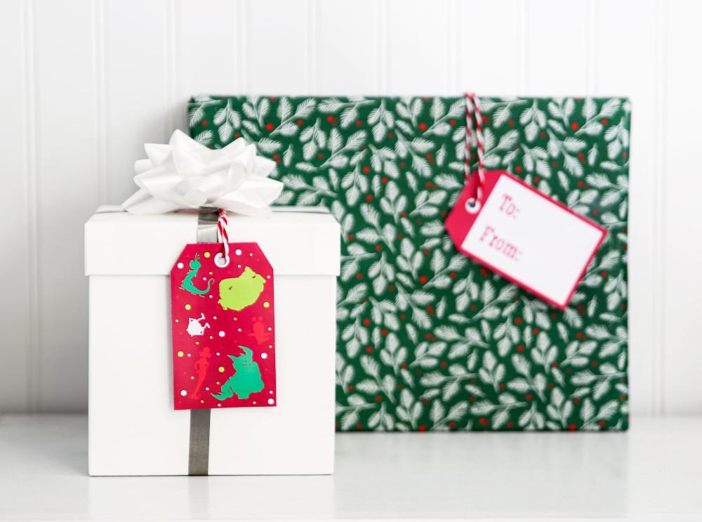 DIY DIsney Christmas Gift Tags