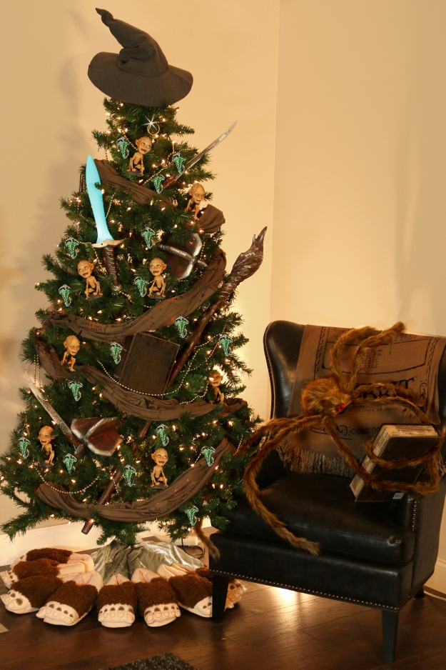 Hobbit Theme Christmas Tree - Pop Culter Trees