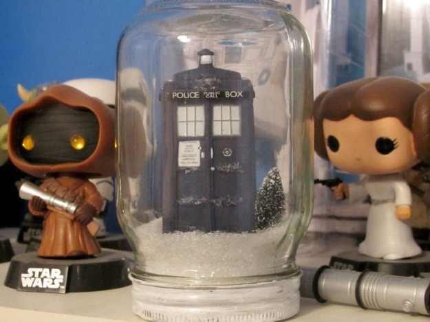 TARDIS Snow Globe