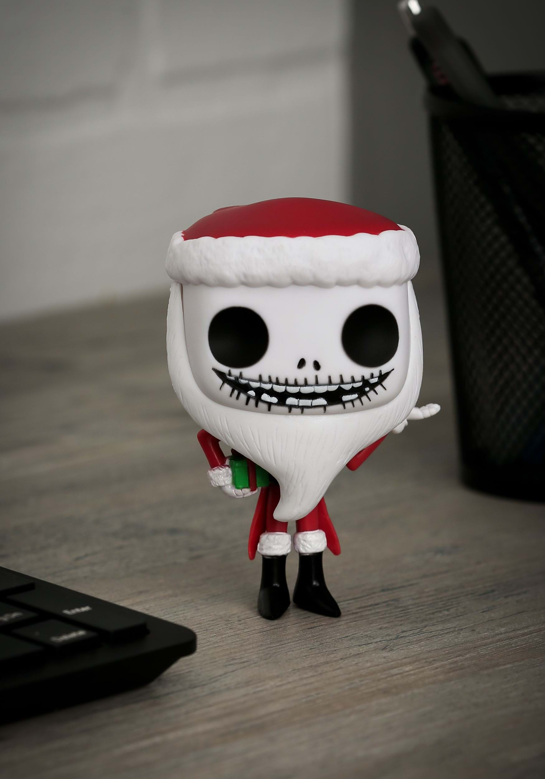 POP! Santa Jack Skellington Vinyl Figure FN3289