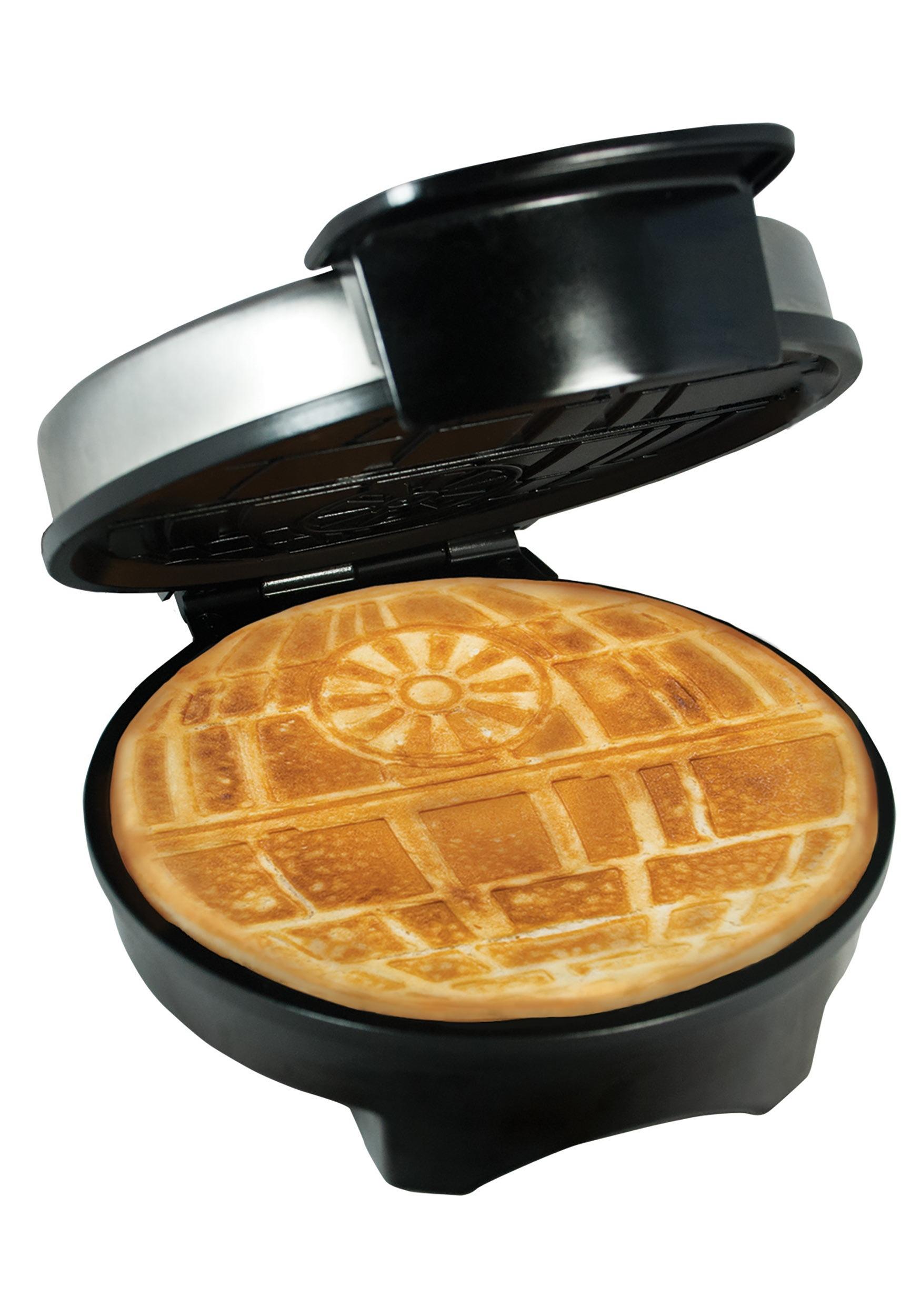 Star Wars Death Star Waffle Maker PBWM-SRW-RD-DST-S