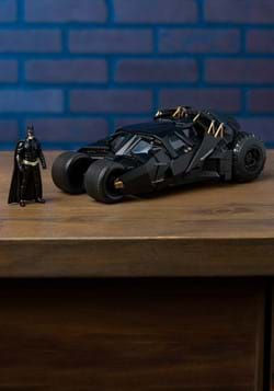 Batman Dark Knight Tumbler 1:24 Die Cast Car w/ Figure