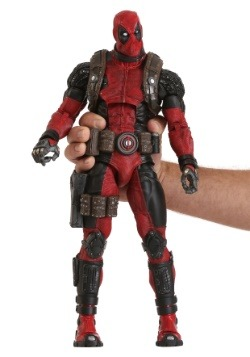 Marvel Classics 1/4th Scale Ultimate Deadpool-alt1
