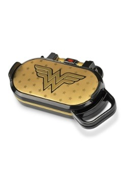 Wonder Woman Flip Pancake Maker1
