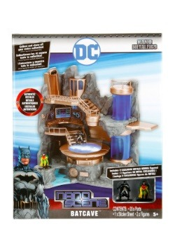 Batman Nano Metal Figures Batcave