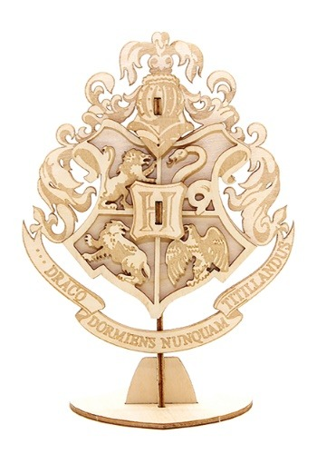 Harry Potter Hogwarts Crest 3D Wood Model & Book1