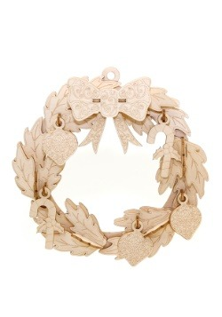 Christmas Wreath 3D Wood Model with Background Display1