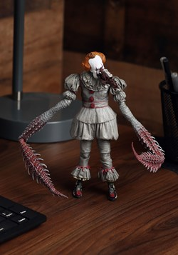 "IT Ultimate Dancing Pennywise 7"" Scale Figure Update"