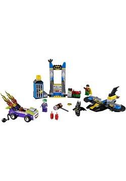 LEGO 4+ Juniors The Joker Batcave Attack Alt 3
