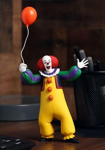 1990 Toony Terrors IT Pennywise 6 Scale Figure
