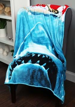 Jaws Micro Plush 50x60in Throw Blanket