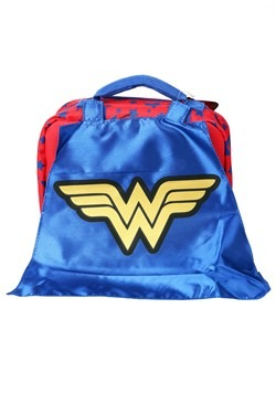 Wonder Woman Lunch Kit w/ Cape1