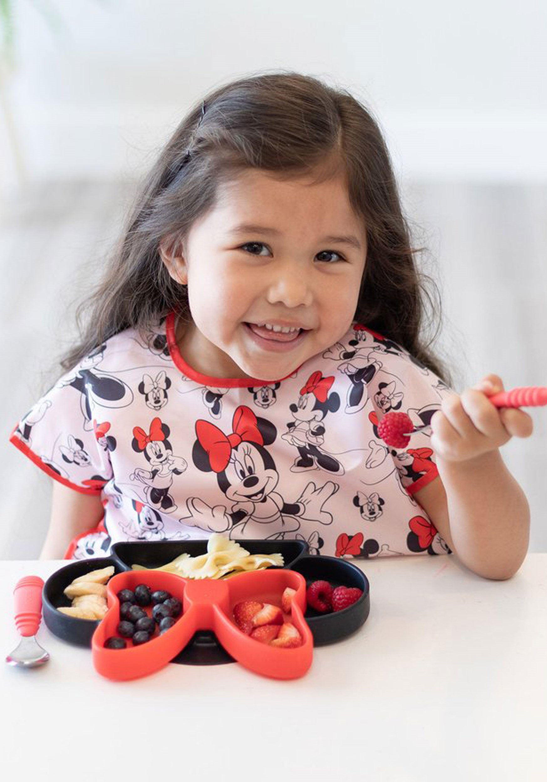 Disney Minnie Mouse Classic Juniors Bib (1-3 years)