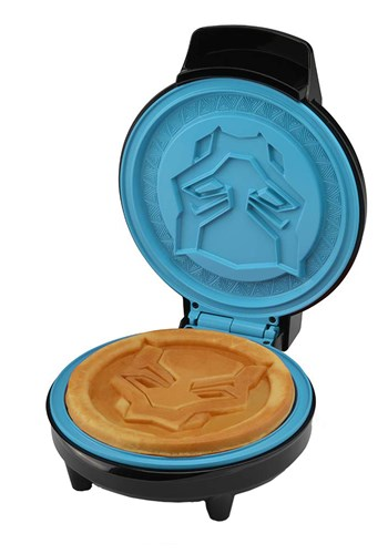 """The Black Panther 7"""" Waffle Maker 1"""