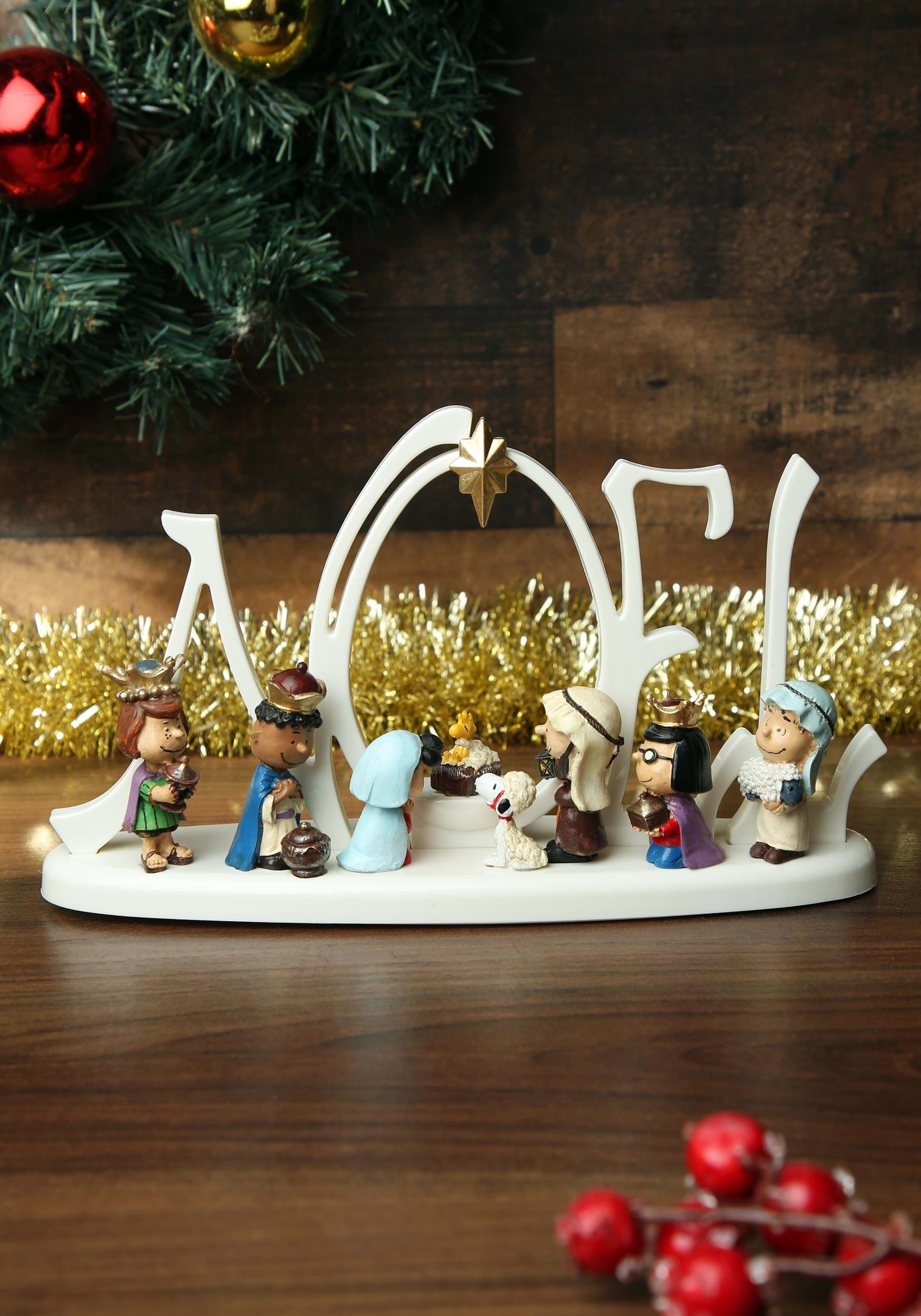Lit Peanuts Led Nativity