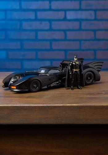 Batman '89 Batmobile 1:24 Scale Model with Figure Update