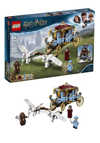 LEGO Harry Potter Beauxbaton's Carriage: Arrival at Hogwarts