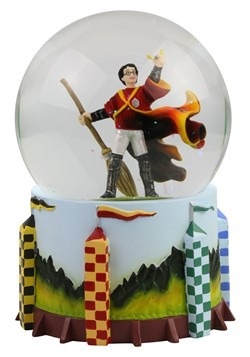 Harry Potter Quidditch Statue