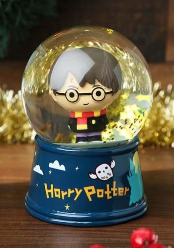 Harry Potter Chibi Castle Large 6 Light Up Snow Globe_update