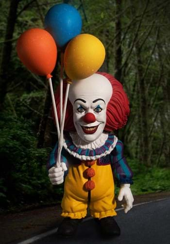 IT 1990 Pennywise Deluxe MDS Figure