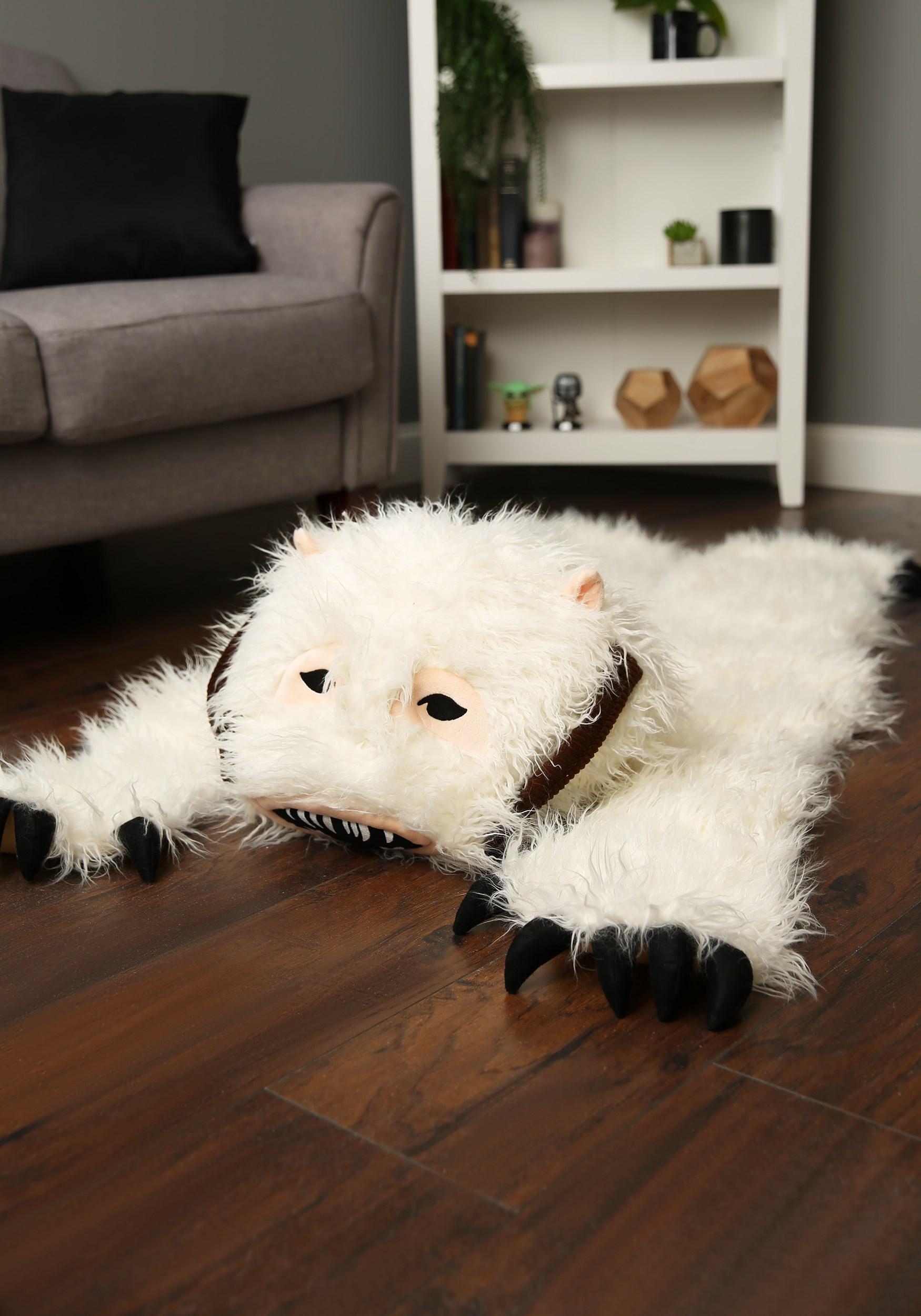 Wampa rug hugging the floor.