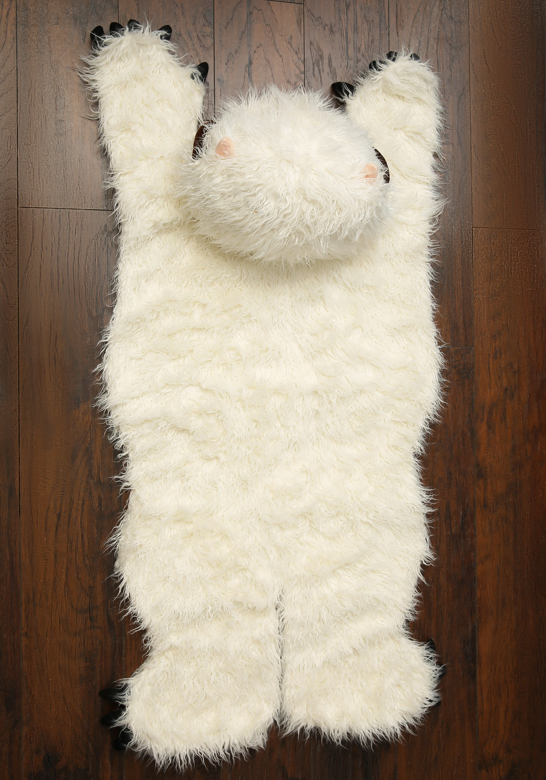 Wampa rug from above.