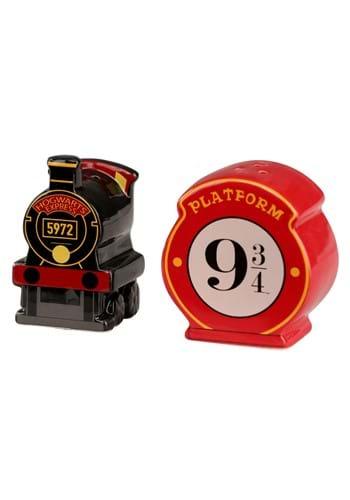 Hogwarts Express Platform 9 3 4 Salt & Pepper Shaker Set-1