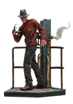 A Nightmare on Elm Street Freddie Krueger Deluxe P
