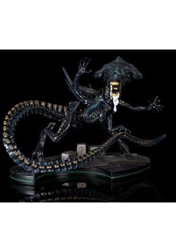 Alien Queen Q Fig Max Elite