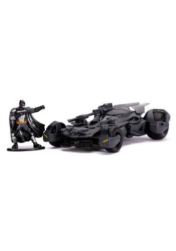 1 32 Scale Batman Justice League Batmobile w Figure