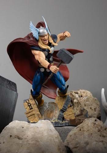 Diamond Select Marvel Gallery Comic Thor PVC Statue