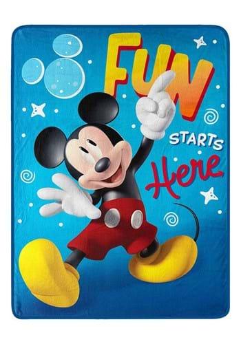 "Mickey Mouse Fun w/ Mickey 46""x60"" Silk Touch Throw"