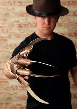 Replica Freddy Krueger Glove alt 2