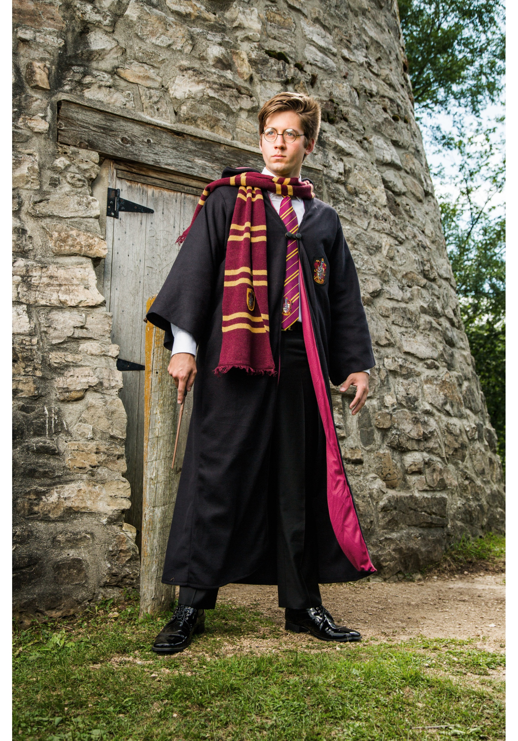 womens gryffindor costume Harry potter costume ideas harry potter costume ideas from harry, ron, and hermione to alastor moody, dobby, dumbledore and lord voldemort, it it's a magical time you're looking for, we've got you covered whether you're suiting up for a halloween quidditch match or trying to find the perfect wizard outfit for a.